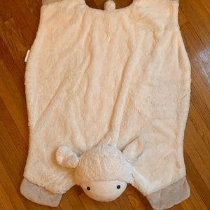 Lamb play mat